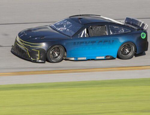 Los nuevos autos del NASCAR «Next Gen» son testeados en el óvalo de Daytona y alcanzan los objetivos de rendimiento. (New NASCAR «Next Gen» cars are tested at the Daytona oval and meet performance targets)