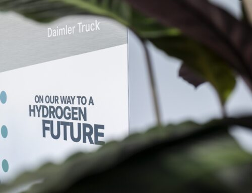 Daimler y Volvo fabricarán masivamente camiones de hidrógeno…La asociación «Daimler Truck Fuell Cell» ya tiene la autorización de la Comisión Europea para comenzar a operar.