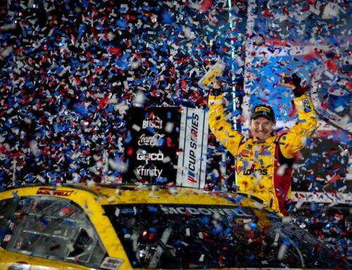 NASCAR- DAYTONA 500 McDowell (Ford) se lleva la victoria en accidentado y ajustado final. Ya en el comienzo había ocurrido otro choque múltiple que obligó a una red flag.