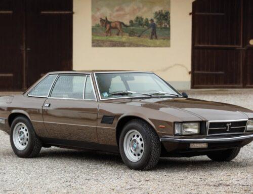 La historia de los De Tomaso Longchamp / Deauville y el Maserati Kyalami surgidos de la imaginación del argentino Alejandro De Tomaso.