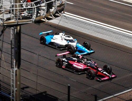 Indy500..Helio Castroneves consigue su cuarta victoria en las 500 Millas , el español Alex Palou segundo luego de ser puntero muchas vueltas, tercero ha sido Simon Pagenaud y cuarto Patricio O'Ward