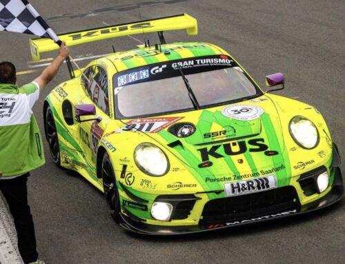 Porsche triunfa en una edición 2021 de las 24 Horas de Nürburgring que pasará a la historia por tener una neutralización de más de 14 horas por niebla.