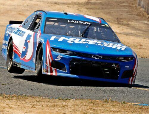 NASCAR en Sonoma…triunfo de Kyle Larson con Chevrolet Camaro.