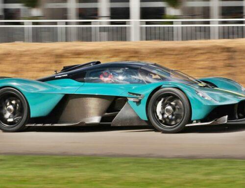 Aston Martin Valkyrie hace una presentación dinámica en el Festival de Velocidad de Goodwood