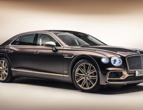 Presentación del nuevo Bentley Flying Spur Hybrid Odyssean Edition con una gran cantidad de materiales sostenibles, 536 hp y 40 km de autonomía eléctrica.