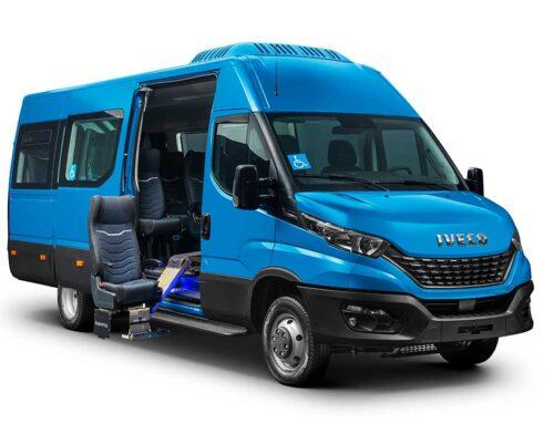 IVECO presentó el Daily Minibus versiones Charter y Turismo.