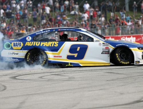 Nascar…Chase Elliott con Chevrolet Camaro triunfa en Road America, Wisconsin.
