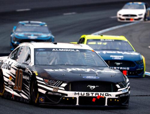 NASCAR: Triunfo para Aric Almirola con Ford Mustang en el anochecer de New Hampshire.
