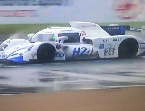Le Mans apuesta por el hidrógeno y antes de la competencia un prototipo de la Mission H24, a H2 fuel cell hizo una vuelta de demostración.