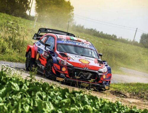 WRC Rallye de Ypres – El local Thierry Neuville (Hyundi i20) toma la punta en el patio de su casa…