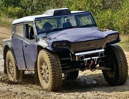 Fering Pioneer 4×4 eléctrico pero con un pequeño motor extensor de rango (presentado por una nueva marca británica de estilo ecológico).