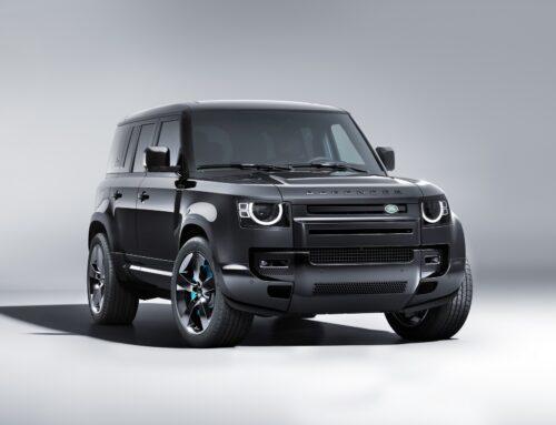Land Rover lanza el nuevo Defender V8 Bond Edition limitada a 300 unidades.