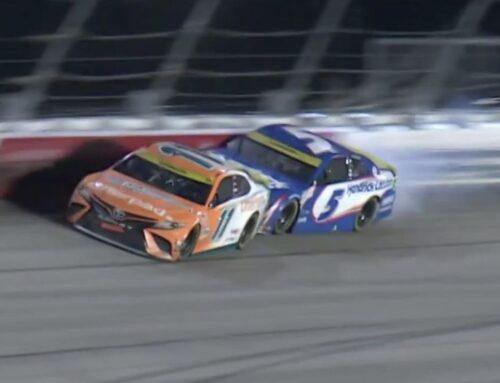 NASCAR / Comienza el play off en Darlington y 9 de los 16 pilotos terminaron fuera del top 15 en esta primera competencia. Denny Hamlin (Toyota Camry) supera a Kyle Larson (Chevrolet Camaro) en Darlington en un final ajustado