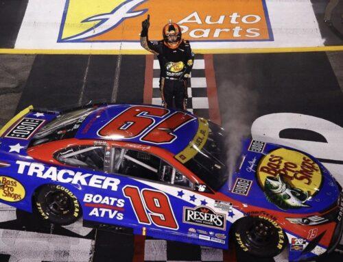 Nascar en Richmond / triunfo de Martin Truex Jr. con Toyota Camry.