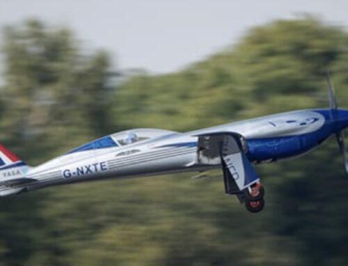 Un avión totalmente eléctrico powered by Rolls-Royce completa su primer vuelo en Gran Bretaña.