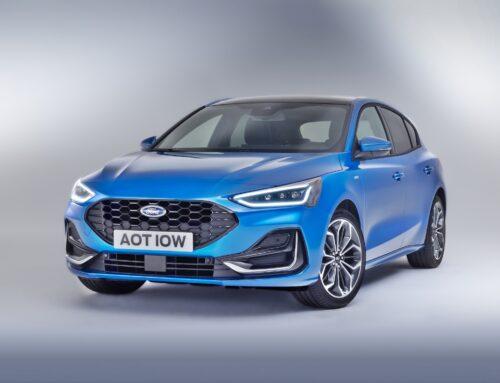 Ford Focus 2022 es la actualización de la cuarta generación presentada en el año 2018…presenta algunos cambios estéticos menores, una pantalla enorme, una caja doble embrague DCT de 7 velocidades en los híbridos suaves.