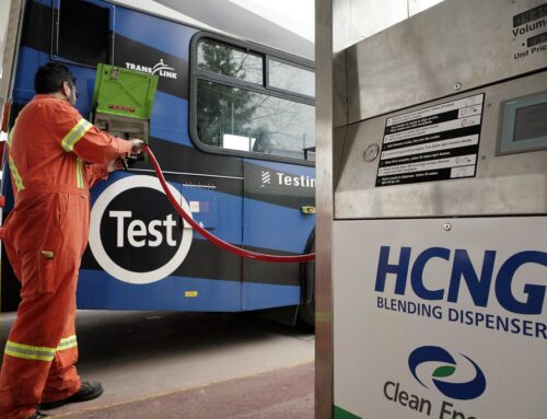 HCNG / Aparte de la gasolina, el Diésel y el GNC ahora se está ensayando con HCNG para hacer funcionar automóviles, autobuses y camiones con sus motores térmicos habituales. Se trata de GNC mezclado con Hidrógeno. Un tema para analizar y sobre el cual ya se han hecho ensayos de campo.